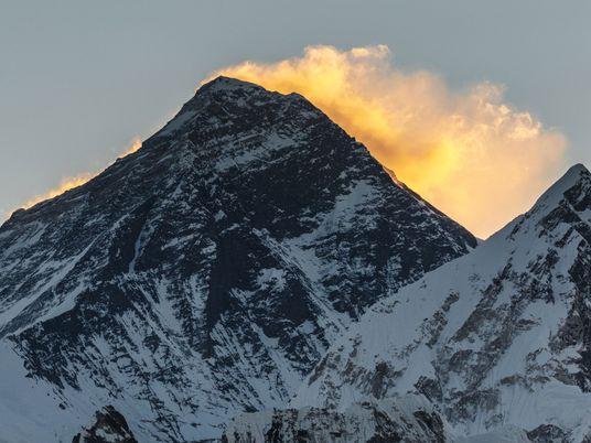 Warum der Mount Everest ständig seine Höhe ändert