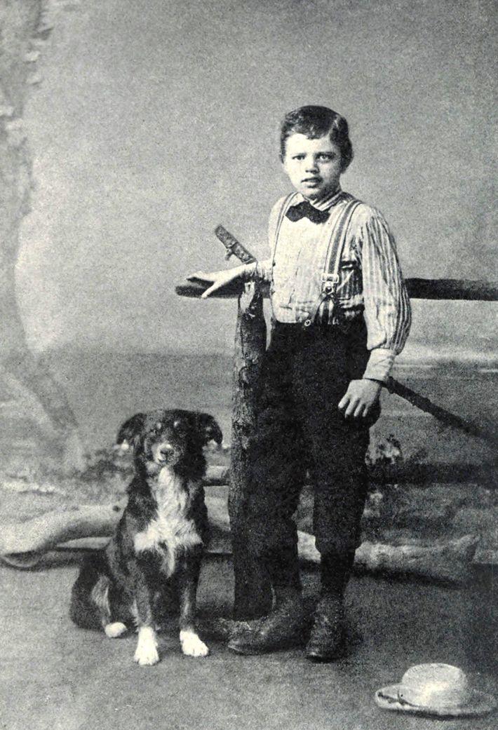 Jack London im Alter von neun Jahren mit einem vierbeinigen Freund, 1885.