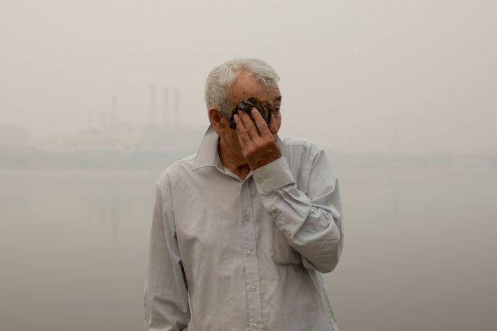 Andranik Khosrovyan, 73, über die schädlichen Folgen des Rauchs für seine Gesundheit.