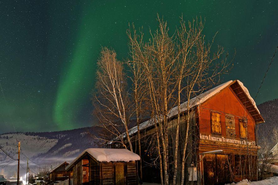 Dawson City hat sich viel von seinem alten Charme erhalten. Die Atmosphäre eines Außenpostens in der ...