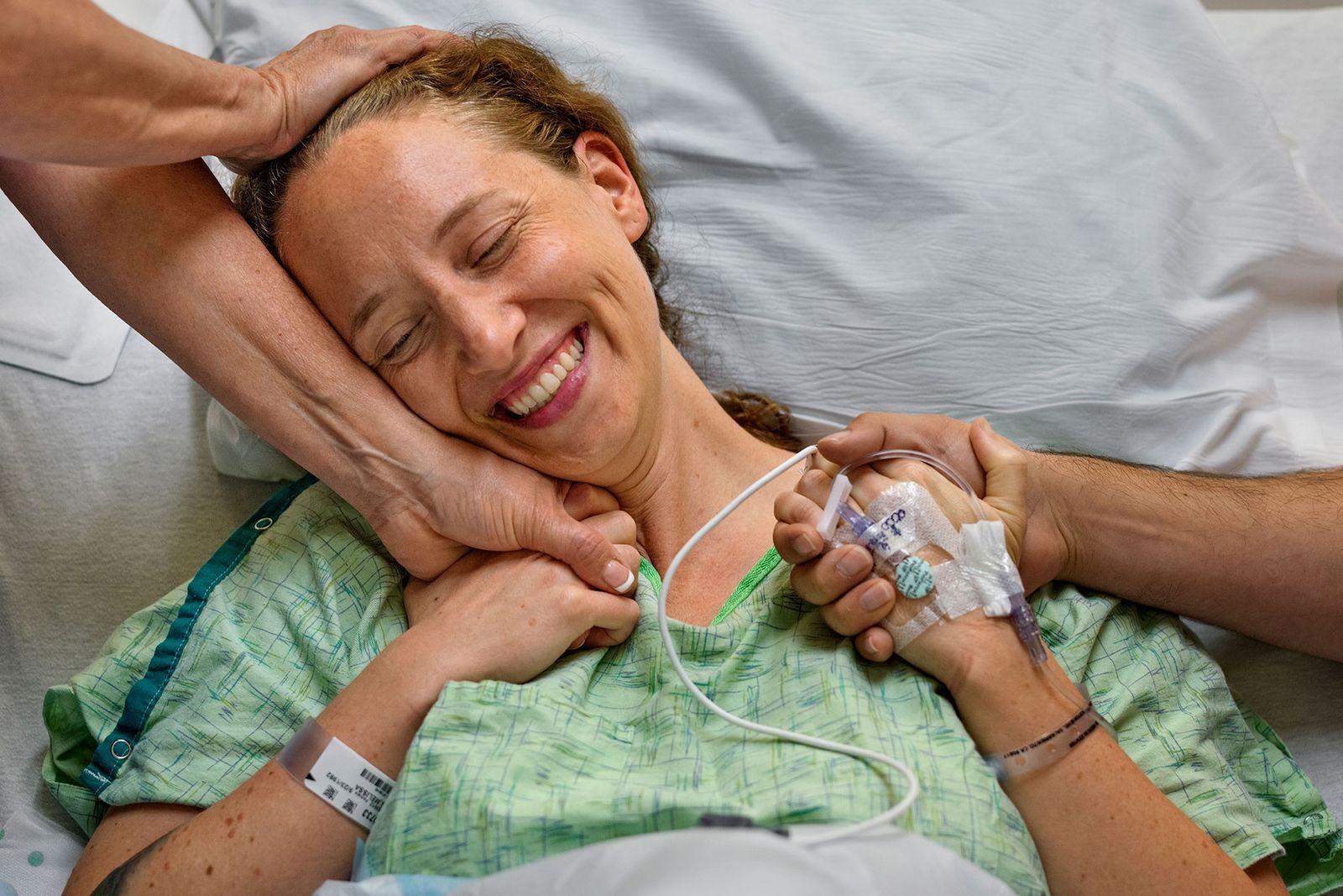 In einem altruistischen Akt spendet Missy Ewing eine ihrer Nieren an einen Fremden.