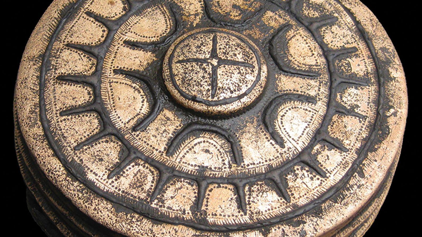 eines der 31 Bronzeobjekte, die auf dem Schlachtfeld im Tollensetal