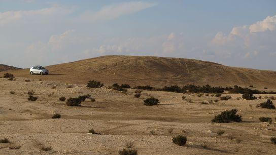 Dieser unscheinbare Hügel diente den Bewohnern der wohlhabenden antiken Stadt Elusa einst als Müllkippe.