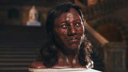 Früher Siedler der britischen Inseln hatte dunkle Haut und blaue Augen