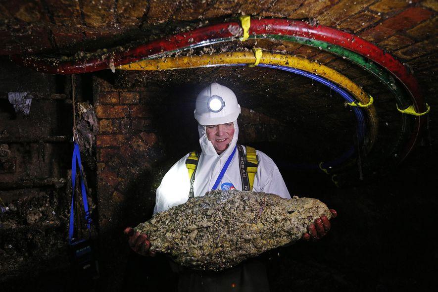Riesige Fettberge verstopfen die weltweiten Abwassersysteme