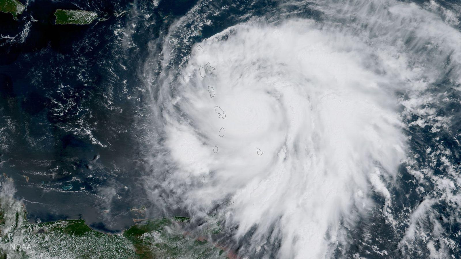 Im September 2017 richtete der Hurrikan Maria große Schäden an. Wissenschaftler warnen, dass derartige Stürme in ...