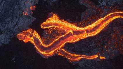 Faszinierende Drohnenbilder von Lavaströmen