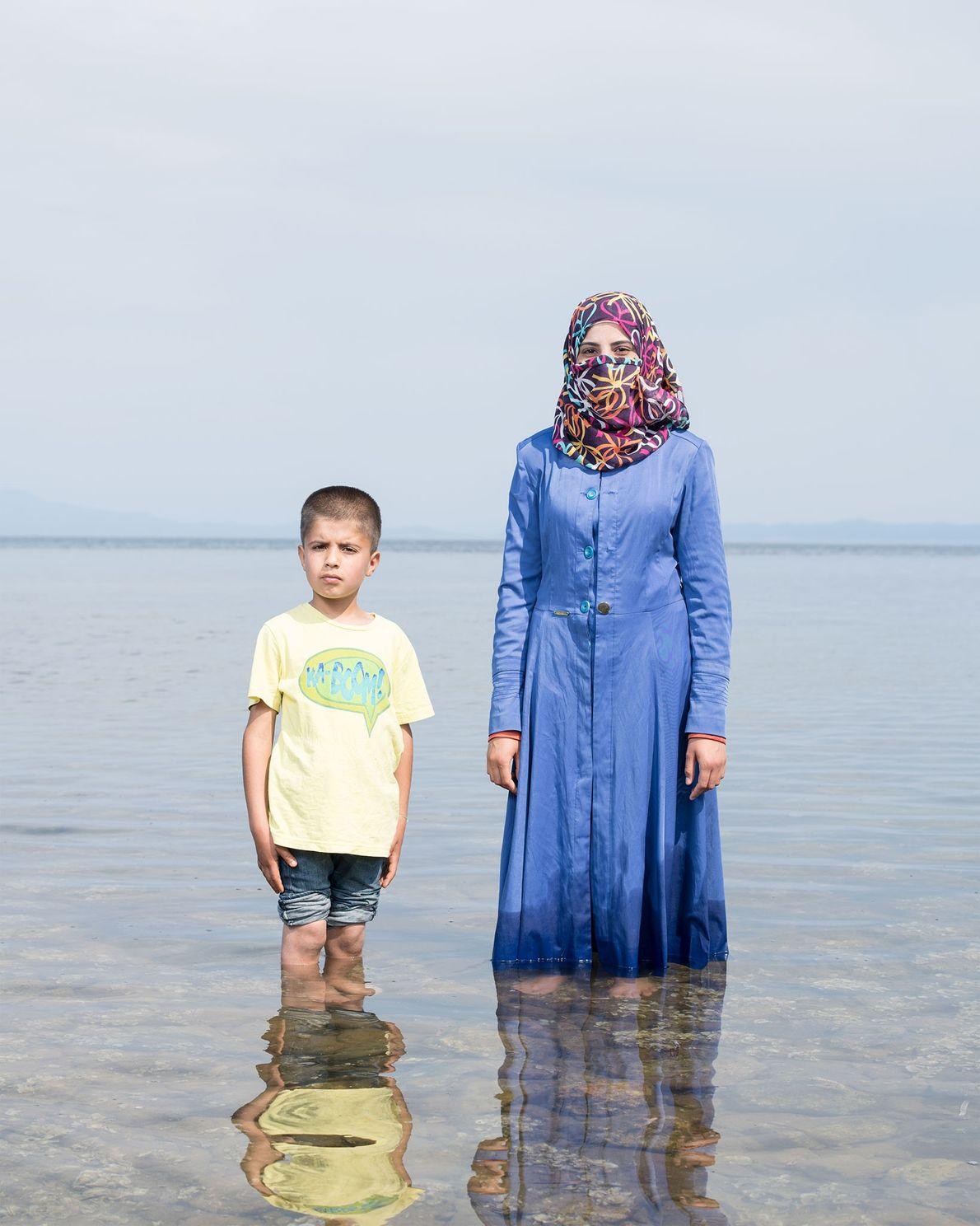 Die 19-jährige Kafa Al Nayaf und ihr Neffe flohen aus Syrien vor den Bombenangriffen. Fünf Monate ...