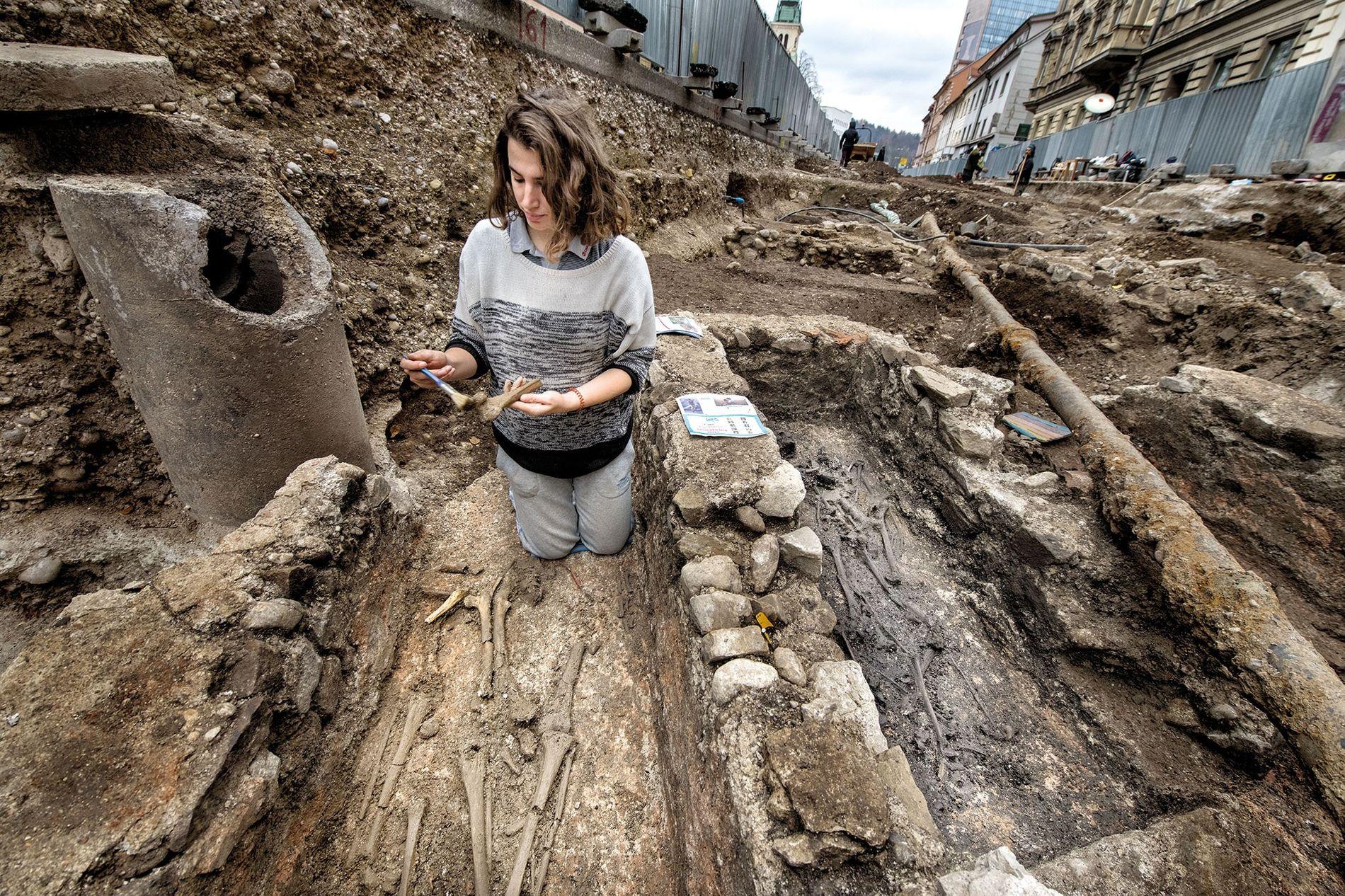 Bei Ausgrabungen unter der Gosposvetska-Straße in Ljubljana kamen Überreste der römischen Siedlung Emona zum Vorschein. An ...