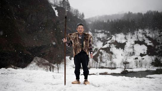 Mann in traditioneller Weste