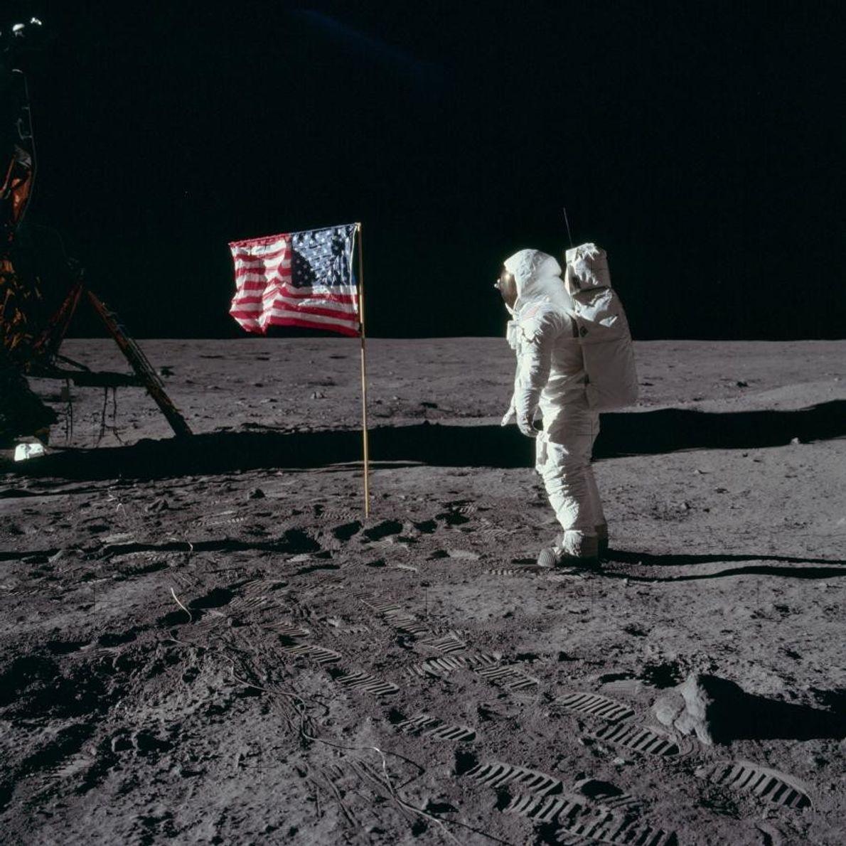 """Edwin """"Buzz"""" Aldrin auf dem Mond"""