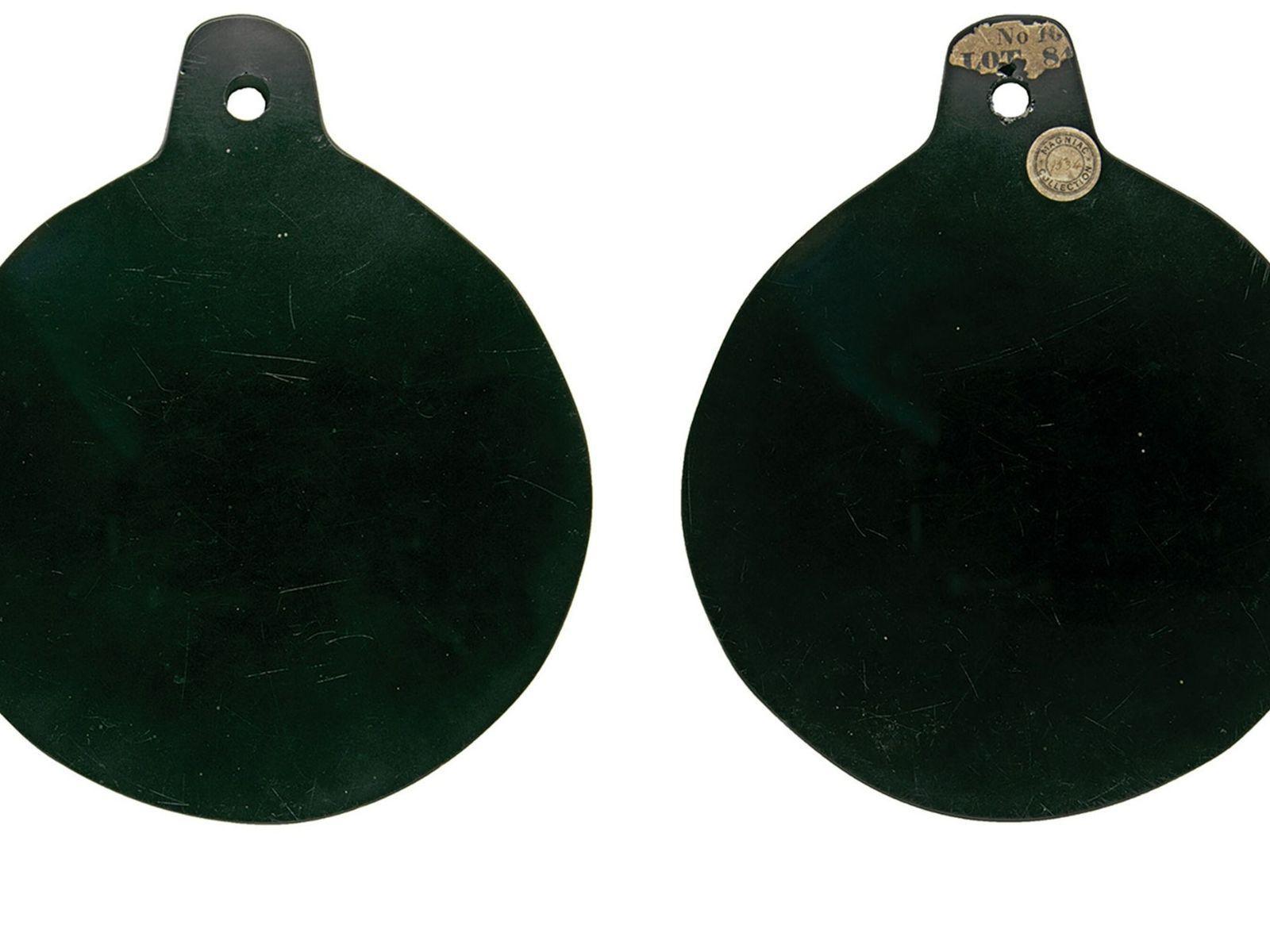 Dieser Obsidianspiegel soll im 16. Jahrhundert am Hofe von Elisabeth I. von ihrem königlichen Berater für ...