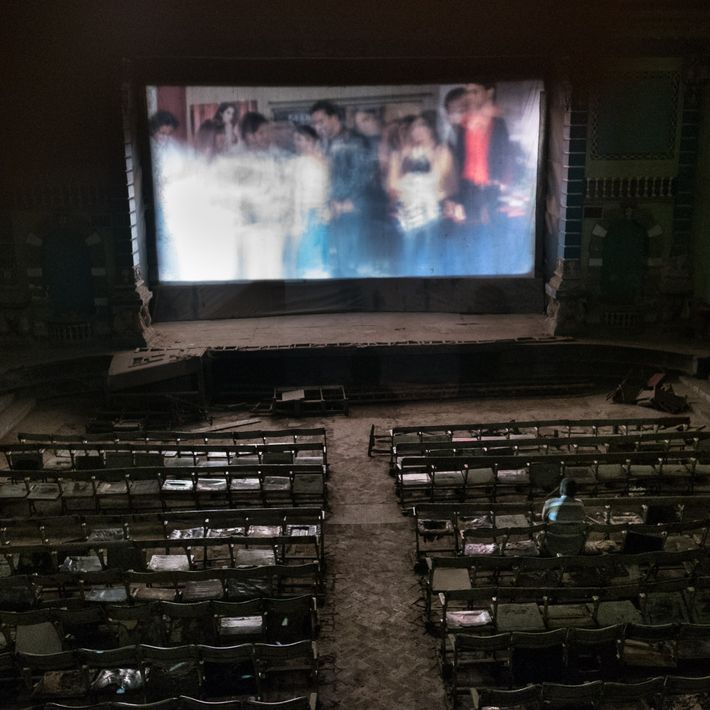 Das Pakistan Talkies Cinema ist ein altes Kino in Lahores heutigem Rotlichtviertel. Es gilt als kontrovers, ...