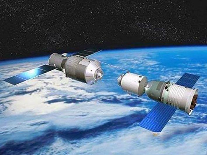 Raumkapsel dockt an die Raumstation Tiangong-1