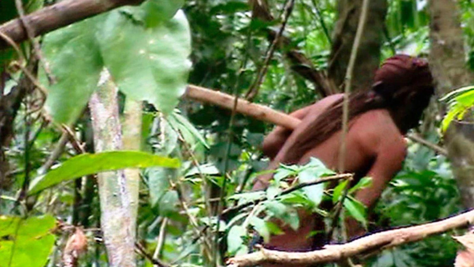 """Der """"einzige Überlebende"""" eines Stammes im Tanaru Indigenous Land im brasilianischen Bundesstaat Rondônia."""