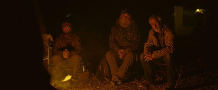 Bob Wells (Mitte) gibt RV-Einsteigern und alten Hasen auf seinem YouTube-Kanal Tipps zum Leben als Nomade.