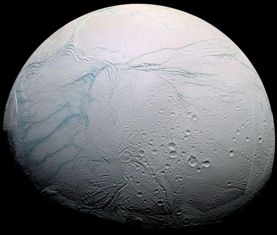 Saturns Eismond könnte den richtigen Treibstoff für Leben haben