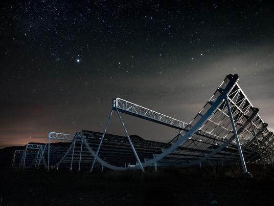 Neue Radioblitze: Phänomen bringt Licht ins Dunkel des Alls