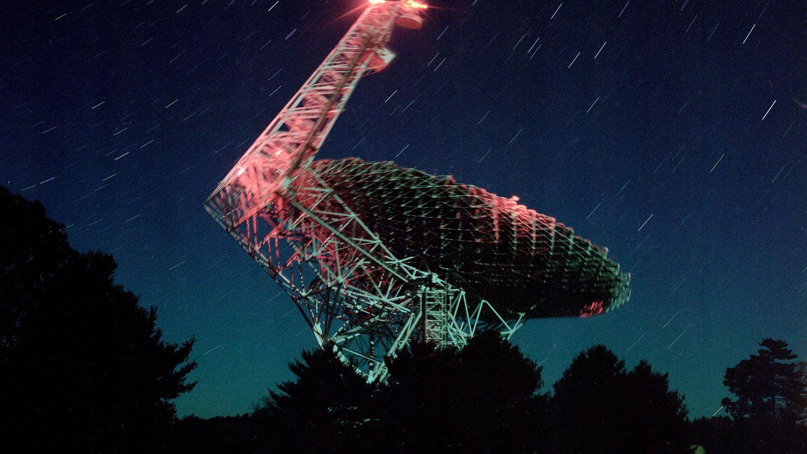 Das Green Bank Telescope ist das größte voll bewegliche Radioteleskop der Welt.