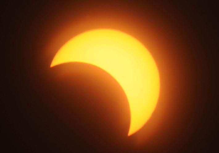 Am 3. November 2013 konnte man eine partielle Sonnenfinsternis über Khartum sehen, der Hauptstadt des Sudan.