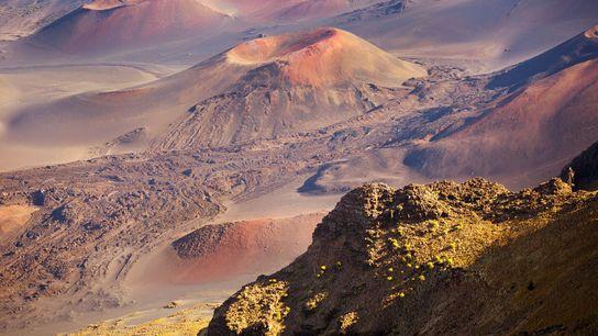 Der Schlackenkegel Pu'u o Maui ist Teil eines inaktiven Vulkans im Haleakala-Nationalpark auf Maiu, Hawaii, USA.
