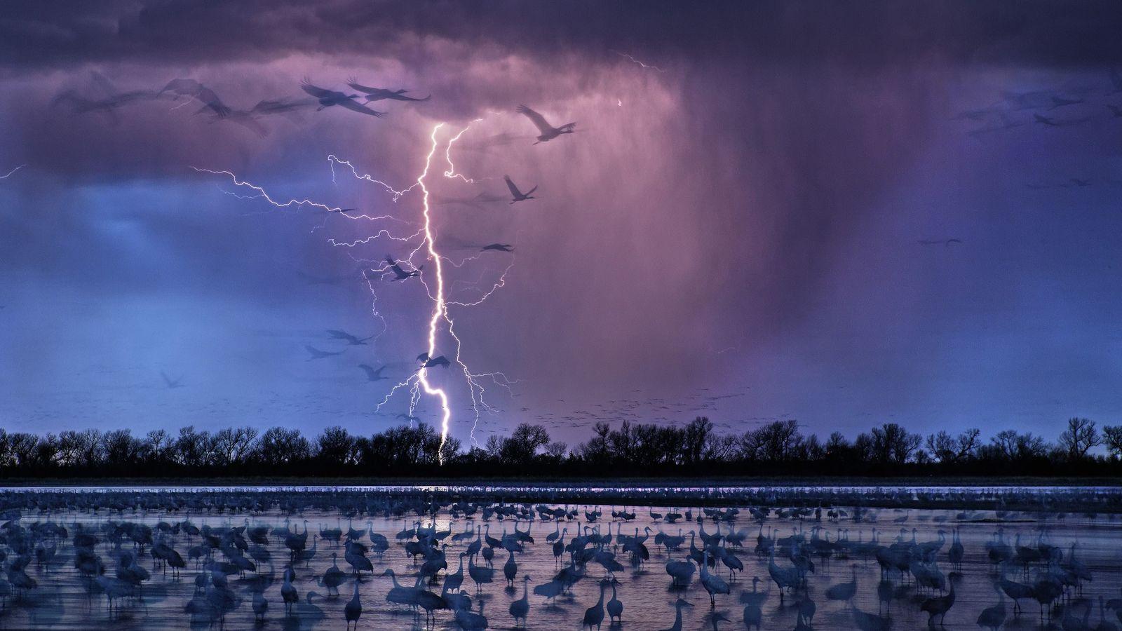 01_epic_summer_storms_lightning