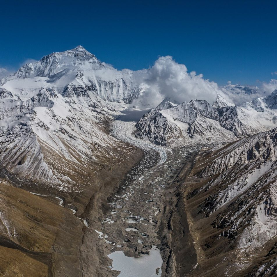Der Everest ist nun offiziell einen Meter höher