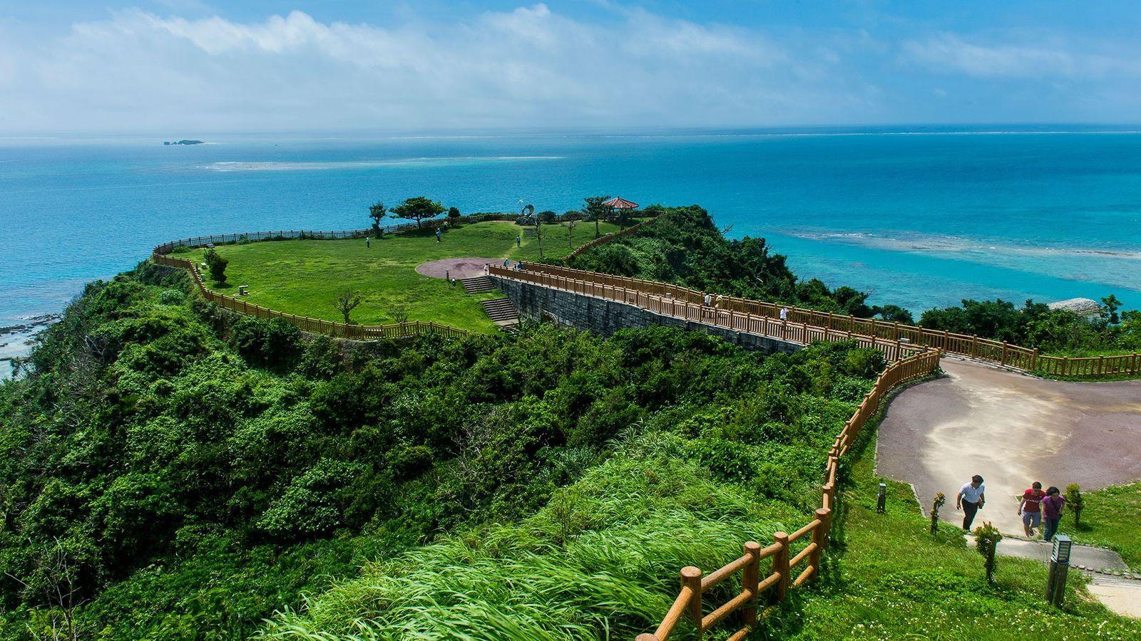 Okinawa in Japan ist eine sogenannte Blaue Zone, in der die Menschen besonders lange leben.