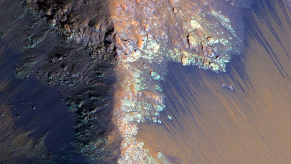 """NASA findet """"definitiv"""" flüssiges Wasser auf dem Mars"""