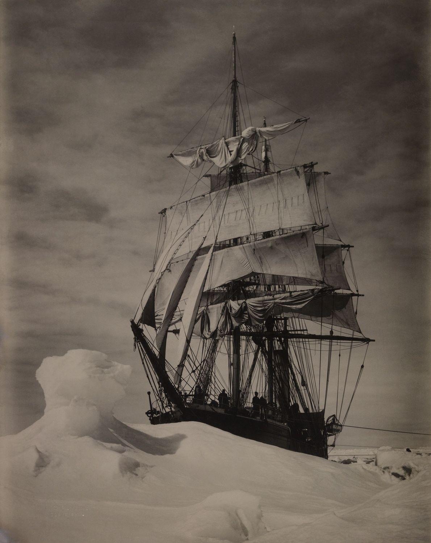 Die Terra Nova im Packeis