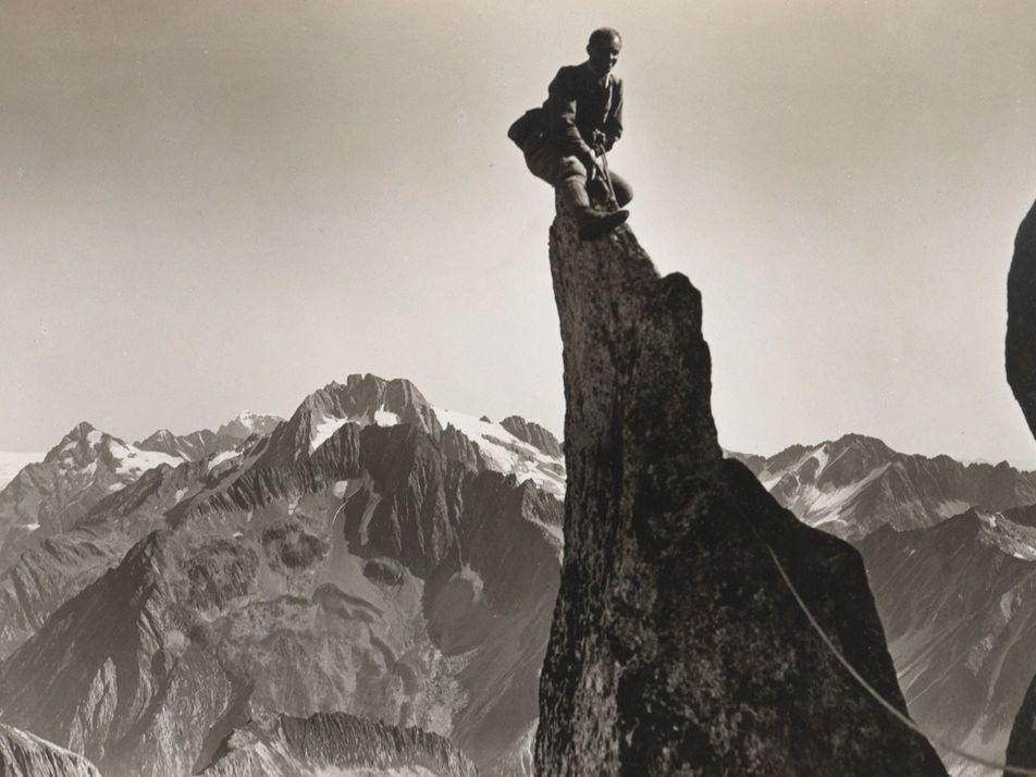 Galerie: Kein Gipfel zu hoch: Halsbrecherische Aufstiege und draufgängerische Bergpioniere