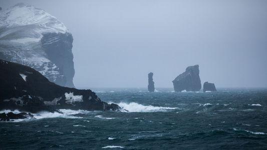 Bilder aus 100 Jahren Geschichte einer antarktischen Vulkaninsel