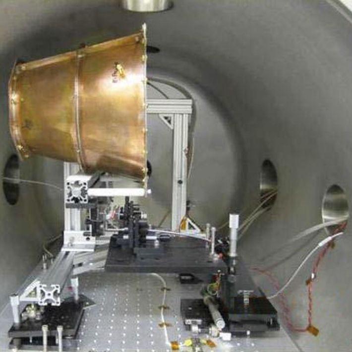 Der EmDrive von NASA Eagleworks in einer Testkammer.