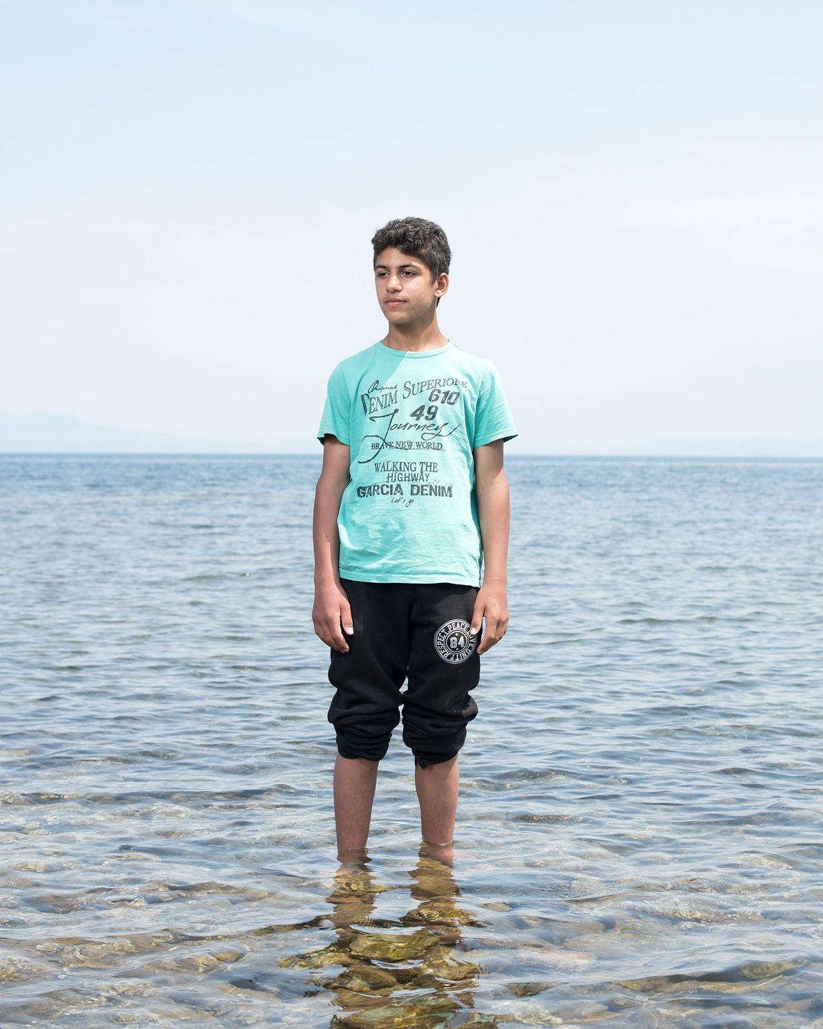 Bilal Al Fados erreichte Lesbos von der Türkei aus in einem Schlauchboot mit 62 anderen Menschen. ...