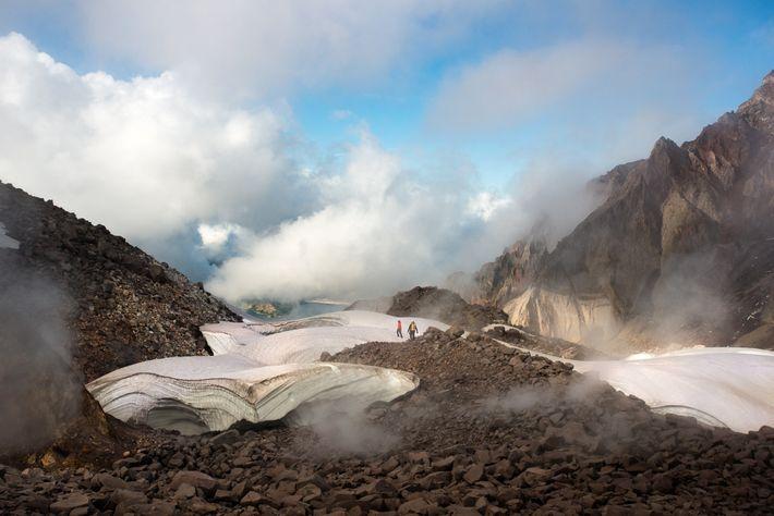 Von 2004 bis 2008 war der Vulkan wieder aktiv und türmte neues Gesteinsmaterial auf dem Lavadom ...
