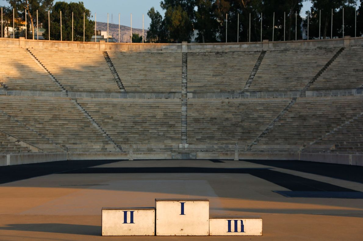 Ein Podest im Panathinaiko-Stadion im Juli 2014. Das Stadion war der Schauplatz der ersten Olympischen Spiele ...