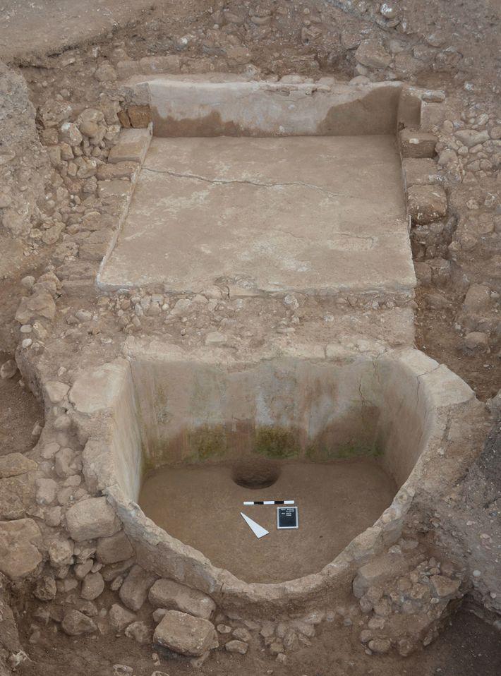 Die Weinpresse von Tell el-Burak. Während die Phönizier die Weinkultur in der antiken mediterranen Welt verbreiteten, ...