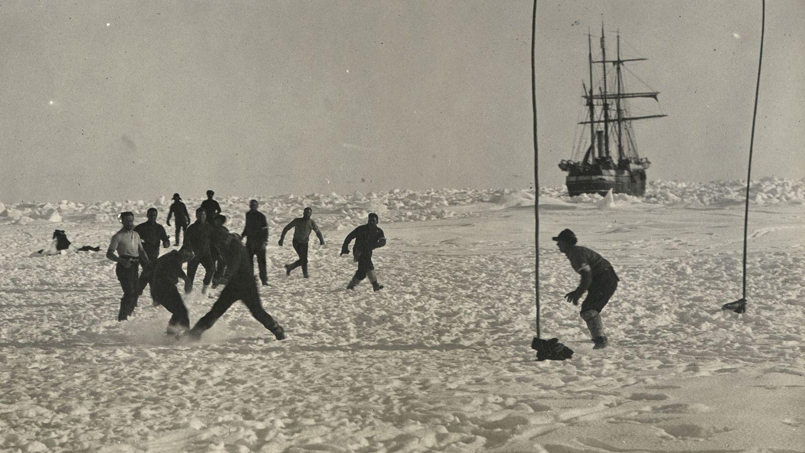 Ernest Shackleton und seine Mannschaft