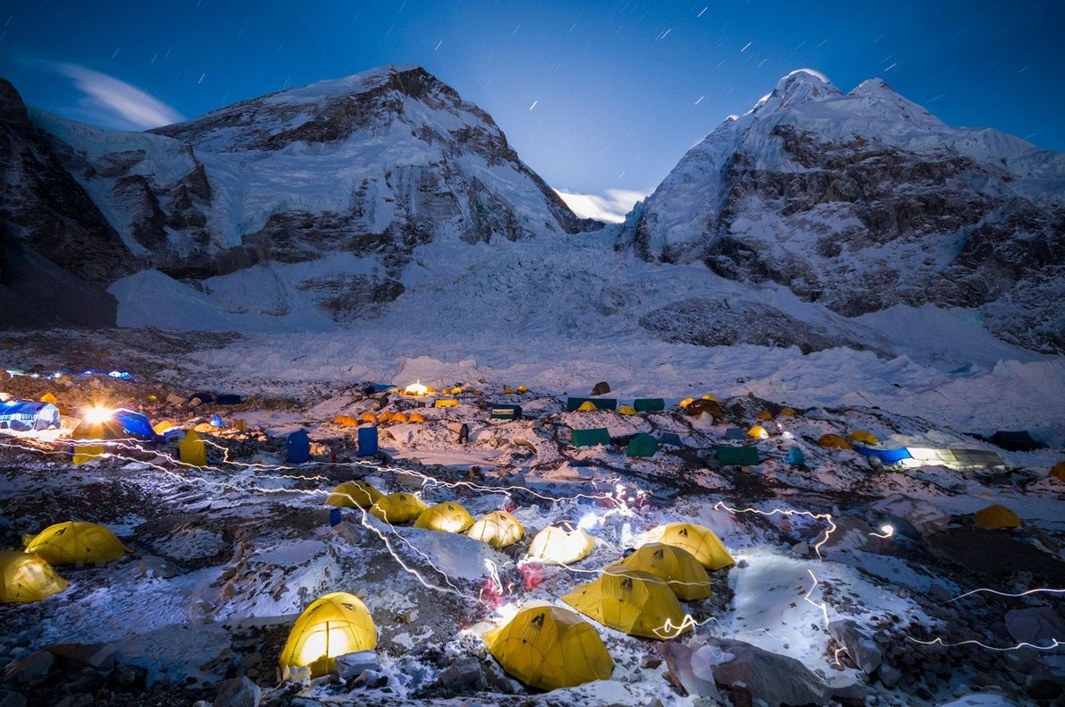 KHUMBU-BASISLAGER, MOUNT EVEREST
