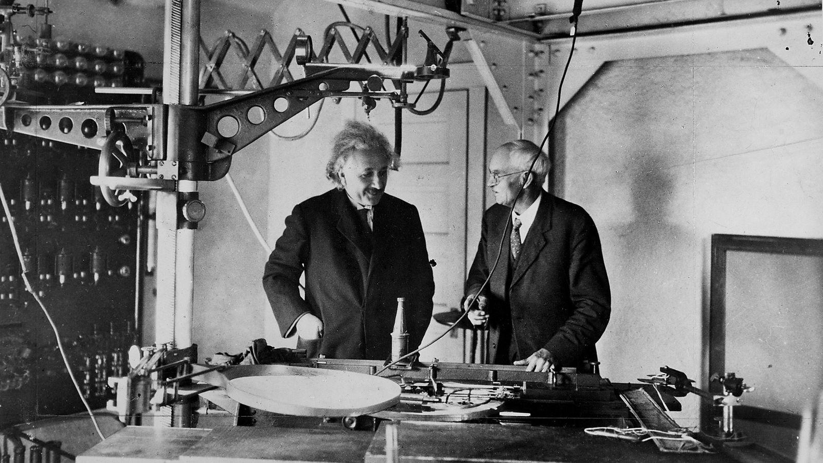Albert Einstein im Labor