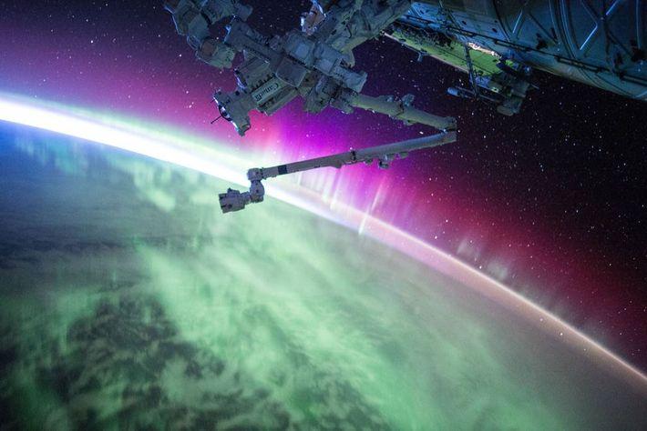 Der Astronaut Scott Kelly nahm dieses Foto am 15. August 2015 auf, als die ISS durch ...