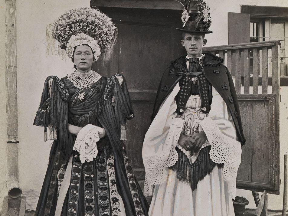 Galerie: Vintage-Bilder zeigen Bräute verschiedenster Kulturen der Welt