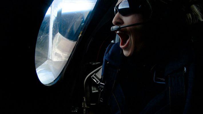 Laut der Definition der U.S. Air Force passierten die drei Passagiere des Februarflugs die Grenze zum ...