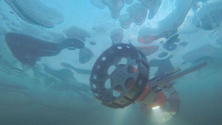 Ein Unterwasser-Rover sucht unter dem Eis der Arktis und Antarktis nach Leben. Ein ähnlicher Unterwasserroboter könnte ...