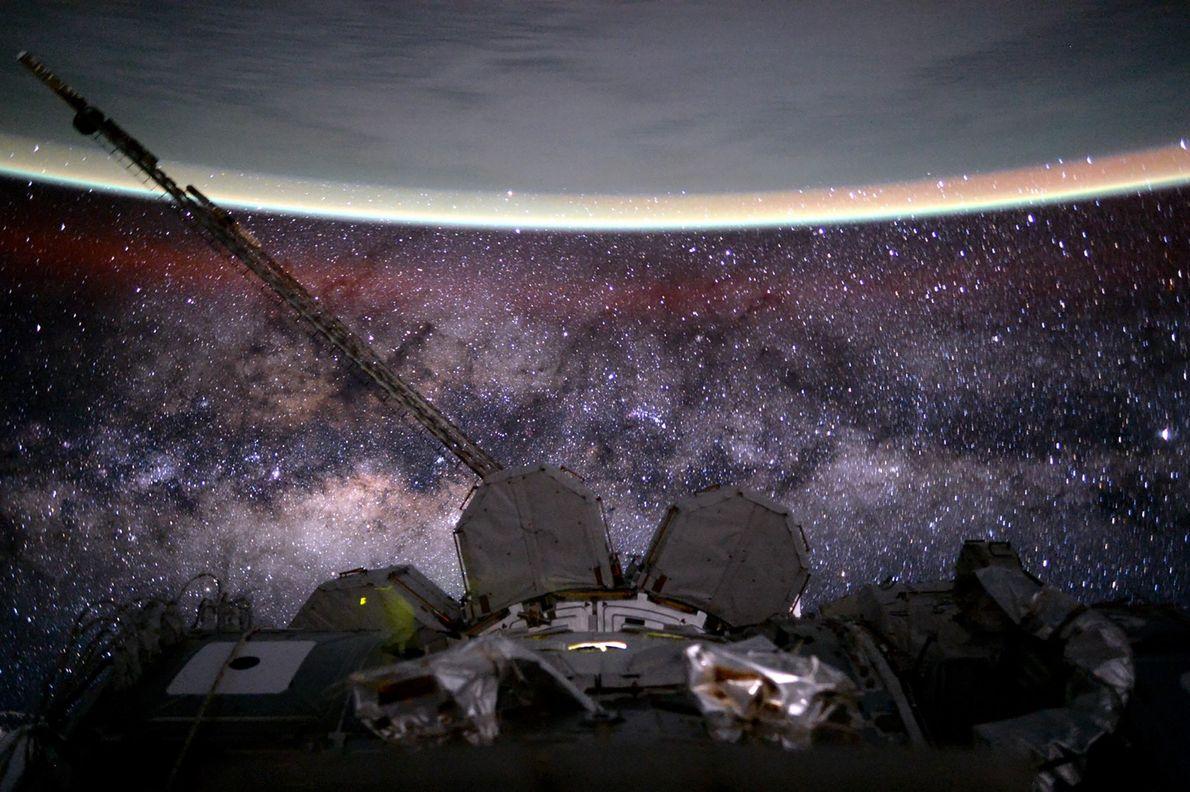 Beim Überfliegen des Indischen Ozeans am 9.August 2015 gelang es Kelly, die Erde, die Internationale Raumstation …