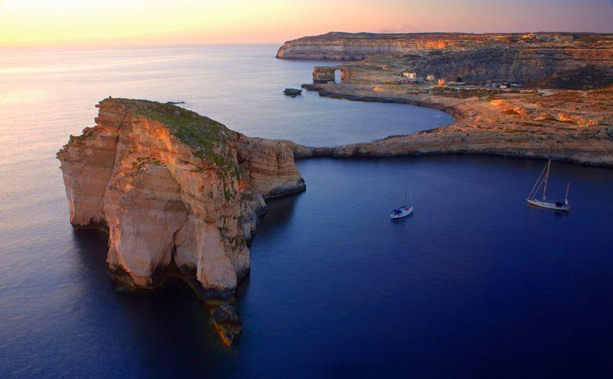 Mit der Fähre gelangt man von Malta aus in nur 25 Minuten nach Gozo, doch die …