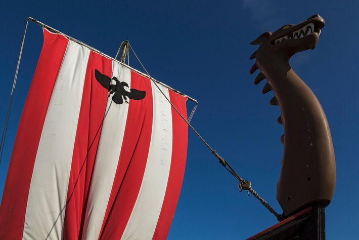 Nachbau eines Wikingerschiffs