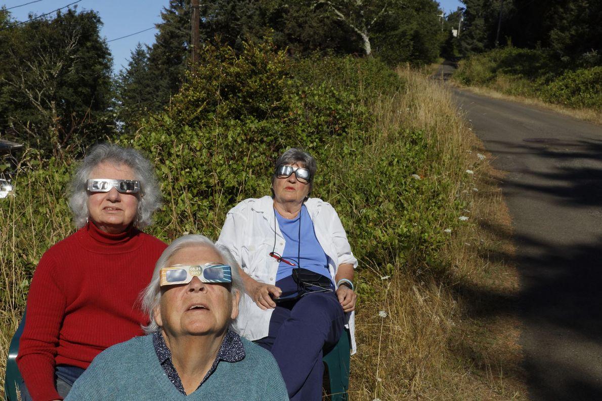 Die 361 Einwohner von Oceanside, Oregon, waren mit die Ersten, die die Sonnenfinsternis sehen konnten. Die ...