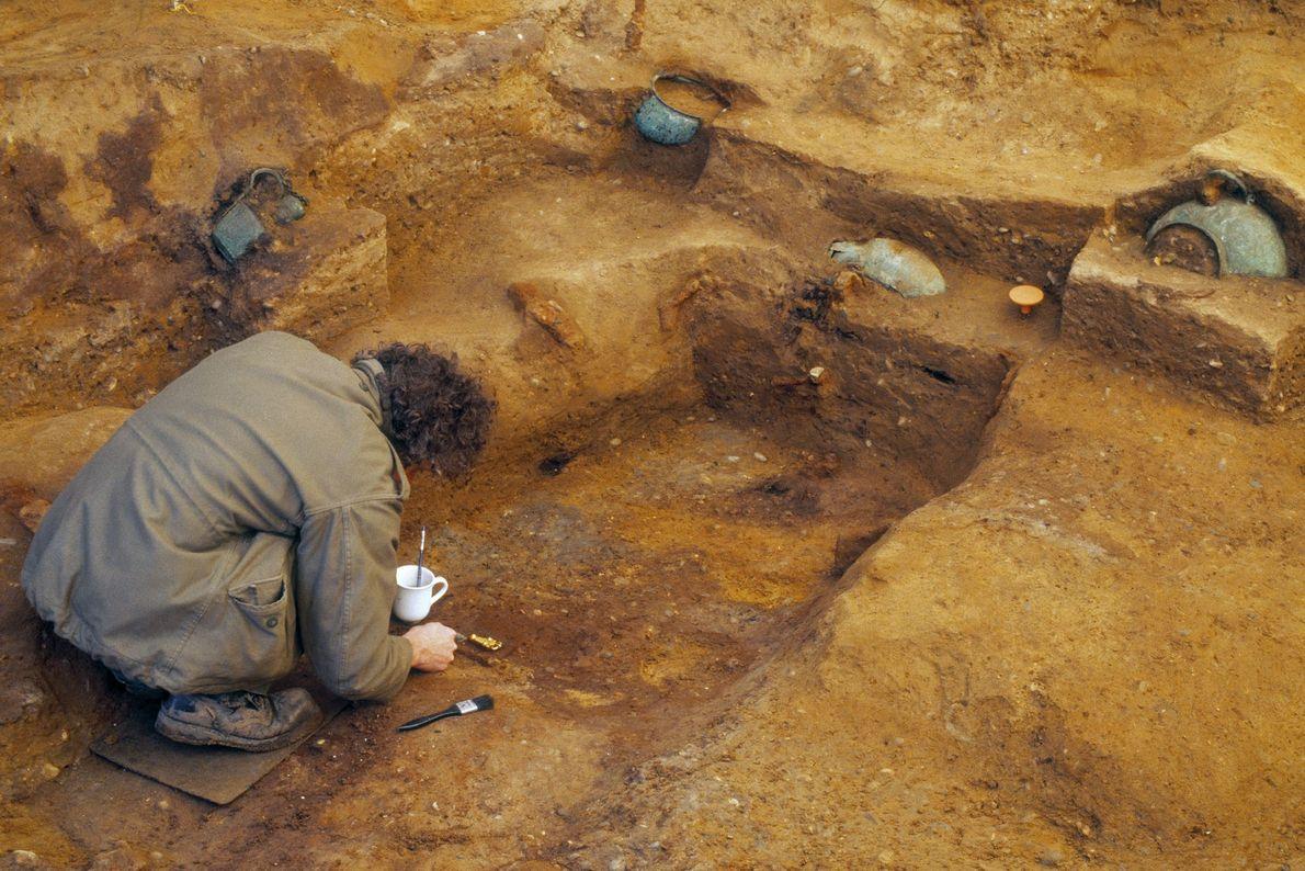 Archäologen bei Ausgrabungen der Prittlewell-Grabkammer.
