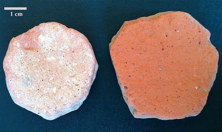 """Keramikscherben oder """"Pessoi"""" wurden von den alten Griechen und Römern wie Toilettenpapier benutzt. Archäologen gruben diese ..."""